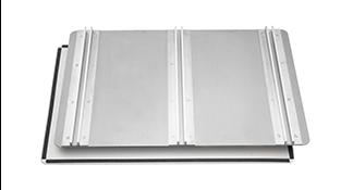 置の際は、上記リブ付きアルミ板等に貼り付け(3M社製のVHBテープを使用)